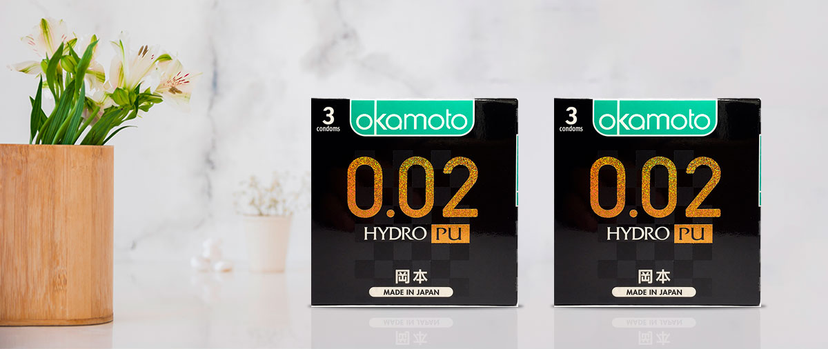 Bao Cao su Okamoto 0.02 PU Siêu mỏng Truyền Nhiệt Nhanh Hộp 3 Cái.